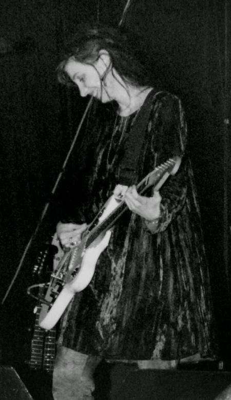PHOTO: My Bloody Valentine, c. 1991-1992   SongsSmiths   Scoop.it