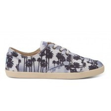 Navy Palm Trees Canvas Men's Paseos | TOMS.com | cosplay | Scoop.it