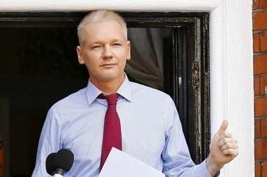 Político francés Jean-Luc Mélenchon se reunirá con Assange | balls | Scoop.it