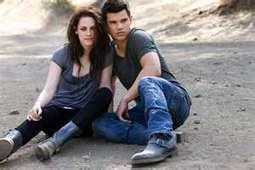 Kristen Stewart, Taylor Lautner Mobbed in Brazilian Hotel--Where Was Robert ... - Gather Celebs News Channel | The Twilight Saga | Scoop.it