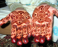 Morocco Travel Agency - Morocco Tours - Morocco Holidays - Sahara Desert Tours Moroccan Henna Traditions Tattoos For Hands & Hair   Morocco   Scoop.it