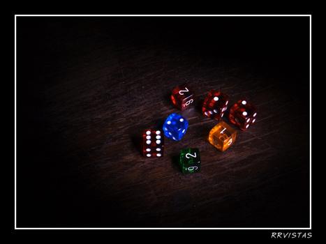 Le B-A BA pour mener une partie de jeu de rôle : quand demander un jet de dés aux joueurs ? | Ludologie, Cinéma, B.D. & slam-poésie | Scoop.it