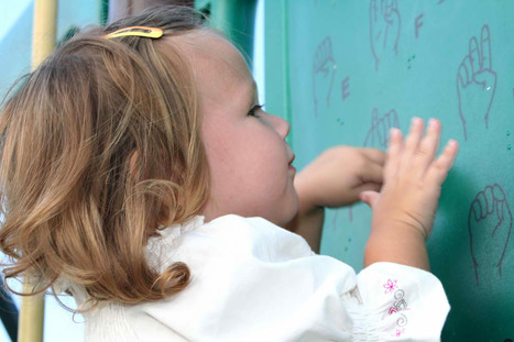 Maybe your Baby can't read. But what about Sign Language? | Generation Genetik | Scoop.it