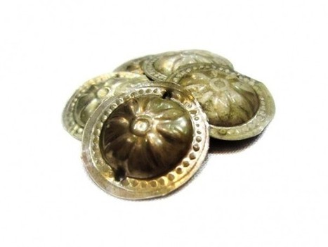 Belly Dance DIY Component Kuchi Tribal Fusion Half KG Amulet Buttons | Buy Belly Dance Jewelry Tribal Fusion Bellywood | Scoop.it