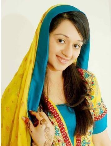 Bridal Fashion Pakistani : Mehndi Day Hairstyle & Dresses | fashion N Style | Scoop.it