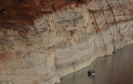 Colorado River reservoir has white 'bath tub ring' in drought | Sustain Our Earth | Scoop.it