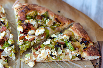 Pink Parsley: Bacon, Brussels Sprouts, and Goat Cheese Pizza | À Catanada na Cozinha Magazine | Scoop.it