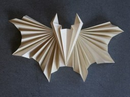 Pleated Paper Bat | Made with (and of) Paper | Scoop.it