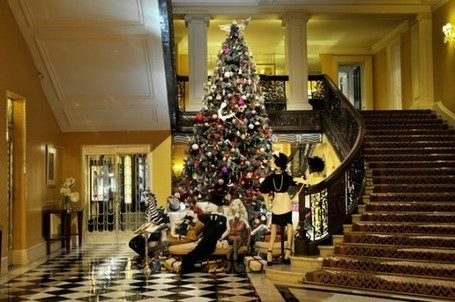Lanvin's Christmas tree for Claridge's unveiled | LDNfashion | Claridges Hotel London | Scoop.it