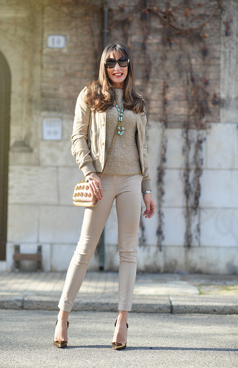 Beige outfit with a minibag by Stella McCartney | Fashion blog di moda | Scoop.it