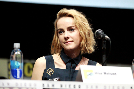 Hunger Games Actress Jena Malone Endorses Bernie Sanders: 'I vote for ideologies' not 'genders' | Global politics | Scoop.it