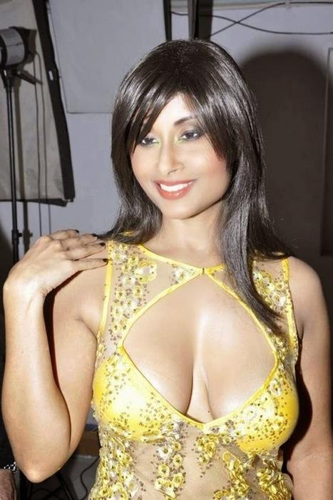 Hot Bollywood Gifs: Aiysha Sagar Spicy Photoshoot Stills   Bollywood Glitz 24- Hot Bollywood Actress   Scoop.it