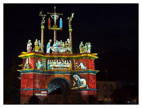 quand s'illuminent les 7 calvaires monumentaux de Bretagne | photo en Bretagne - Finistère | Scoop.it