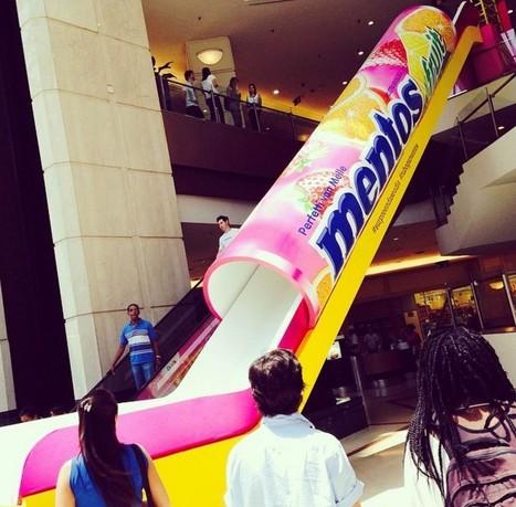 Mentos crée un toboggan de 18m de long en forme de packaging dans un centre commercial | Street Marketing & Creativity | Scoop.it