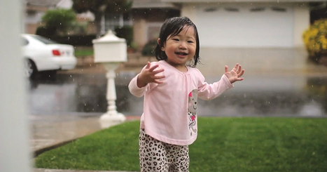 A Little Girl Experiences Rain For The Very First Time :)   Simply beautiful   Scoop.it