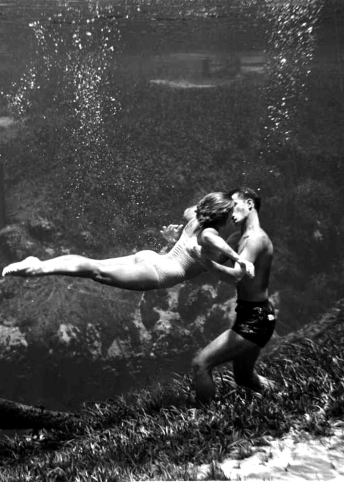 Weeki Wachee Mermaid Kiss | Sex History | Scoop.it