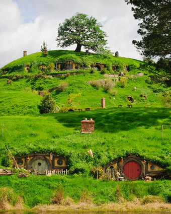 Bright Shiny News - Discovering The Hobbit's real life location of Middle-Earth: New Zealand   BiteSize eBooks   Scoop.it