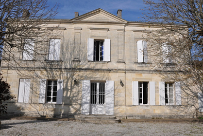 Stone House and huge outbuildings between Bordeaux and Saint Emilion | Properties to buy in Southwest France Bordeaux | Scoop.it