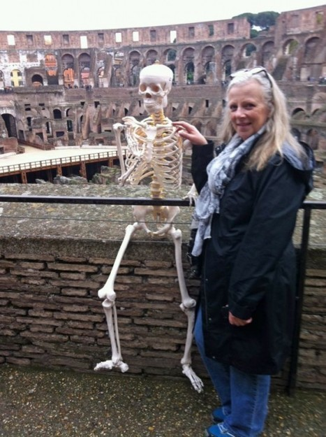 Morbid Companion – Woman Travels around the World with Life-Size Plastic Skeleton | Strange days indeed... | Scoop.it