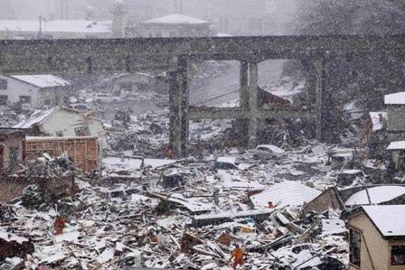 [Photo] La neige perturbe les secours dans le nord du Japon | Flickr - Photo Sharing! | Japon : séisme, tsunami & conséquences | Scoop.it