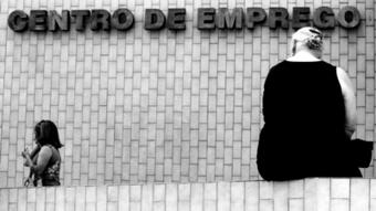 Desemprego volta a cair. Taxa foi de 15,1% no primeiro trimestre - Renascença   Desemprego em Portugal   Scoop.it