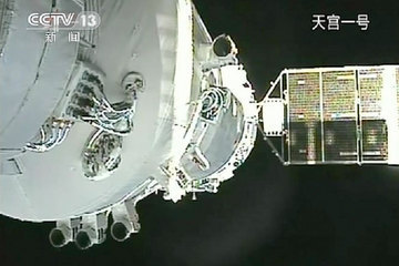 China Makes Second Successful Space Docking | Shenzhou 8 & Tiangong 1 | China & Space Station, Human Spaceflight | Space.com | Planets, Stars, rockets and Space | Scoop.it