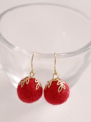 Rosso e oro, deliziosi orecchini in feltro | Orecchini Fai da Te: i migliori tutorial | Scoop.it