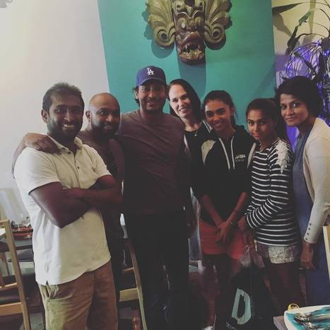 (Photos) Sangakkara at a Sri Lankan restaurant in Hove, England | Warren55 | Scoop.it