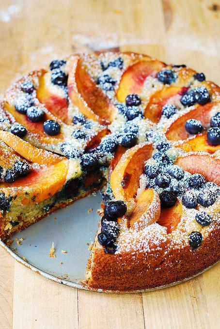 Peach and Blueberry Greek Yogurt Cake   Greek cuisine   Scoop.it