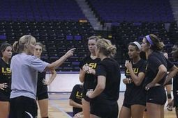 LSU volleyball team unified by leadership program - LSU The Reveille | Everyday Leadership | Scoop.it