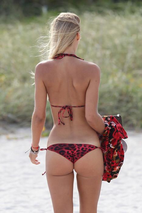 Photos : Petra Benova in a red bikini at the Miami Beach | Radio Planète-Eléa | Scoop.it
