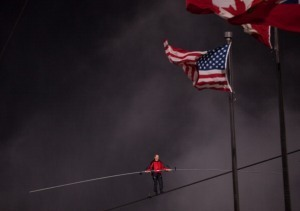 Daredevil Makes Amazing Wire Walk Across NiagaraFalls (PHOTO GALLERY) | The Billy Pulpit | Scoop.it