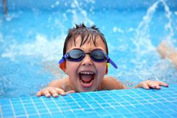 Apprendre à nager aux enfants   SPECIALISTE EBOOK.FR   éducation des enfants   Scoop.it