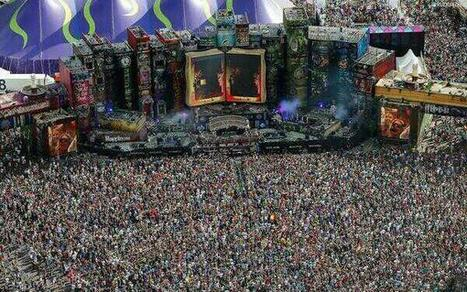 Twitter / NatGeoPaisajes: Tomorrowland, el festival más ...   Música y frases bonitas   Scoop.it
