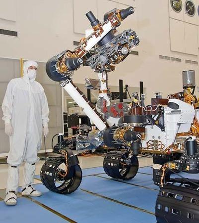 robot arm Curiosity with verktøy-/instrument platform at the top   VIM   Scoop.it