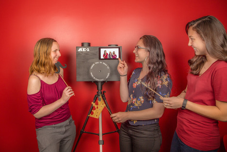 Create a Raspberry Pi Photo Booth for Your Next Party | Make: | Raspberry Pi | Scoop.it