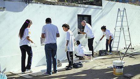 Lanzan un plan para alentar el trabajo comunitario en barrios - Clarín.com   Trabajo social comunitario   Scoop.it