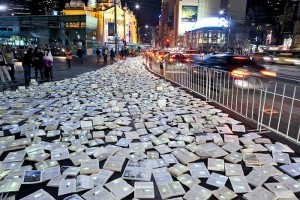 Literature Versus Traffic, 10,000 Glowing Books in the Streets of Melbourne, Australia | Library Inspiration | Scoop.it