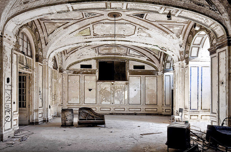 Abandoned Hotel | Flickr | Modern Ruins | Scoop.it