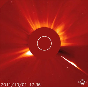 The comet and the Coronal Mass Ejection | Bad Astronomy | Discover Magazine | Planets, Stars, rockets and Space | Scoop.it