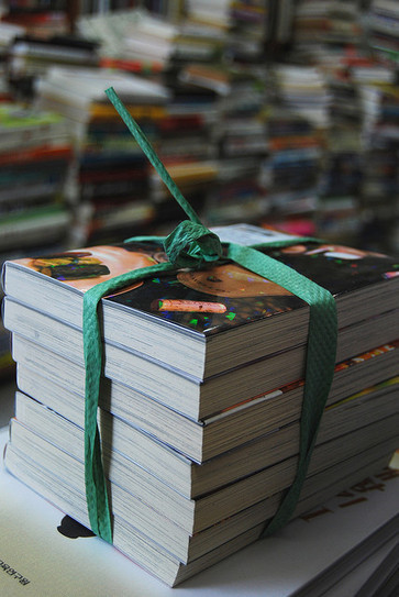 Stocker, prêter et vendre : des bibliothèques devenues librairies - Actualitté.com | code de la route | Scoop.it