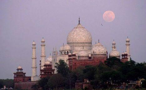 Overnight Trip to Agra and Watching Taj Under The Full Moon   Taj Mahal Travel   Scoop.it