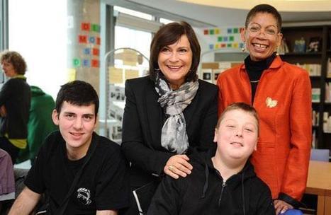 Elèves handicapés: Ayrault annonce la titularisation de 28.000 accompagnants | école et handicap | Scoop.it