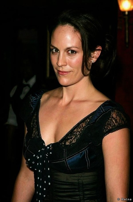 Annabeth Gish Profile, BioData, Updates and Latest Pictures | FanPhobia - Celebrities Database | Celebrities and there News | Scoop.it