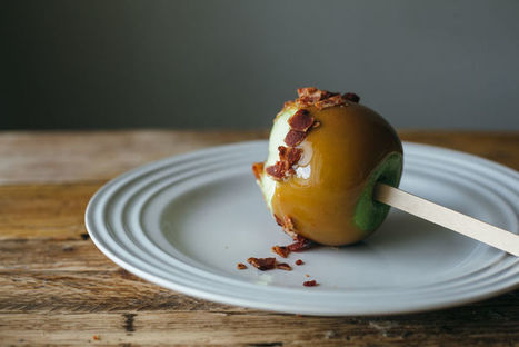 Bacon Caramel Apples - This Autumnally Appropriate Dessert Recipe Incorporates a Savory Twist (TrendHunter.com) | Candy Buffet Weddings, Events, Food Station Buffets and Tea Parties | Scoop.it