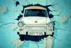 Featured Topics: The Berlin Wall   Topical English Activities   Scoop.it