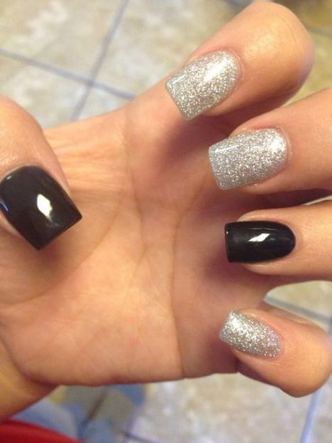 Christmas nails design 20 – Picturing Images | Fashion Home decor Tattoos Beauty Pictures | Scoop.it
