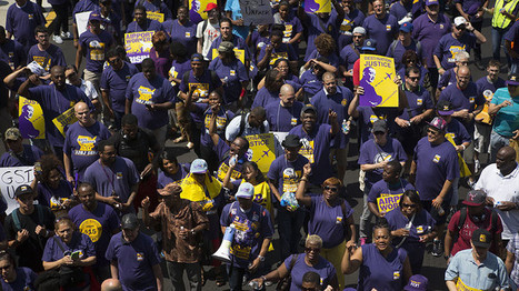 Hundreds of Philadelphia airport workers stage sit-in over 'Fight for $15' | Everything You Need to Know           Re: Bernie Sanders | Scoop.it