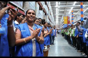 Indian parliament opens door to foreign retail investors like Wal-Mart | Gov News Around the World | Scoop.it