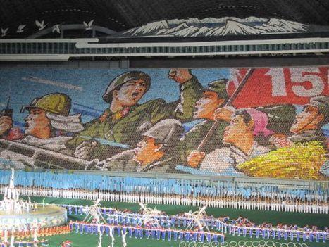 North Korea's Amazingly Choreographed Human Mosaics | Strange days indeed... | Scoop.it